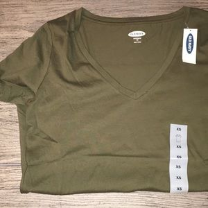 OLD NAVY CLASSIC V-NECK